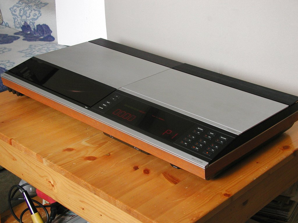 bang olufsen beocenter 3300. Black Bedroom Furniture Sets. Home Design Ideas
